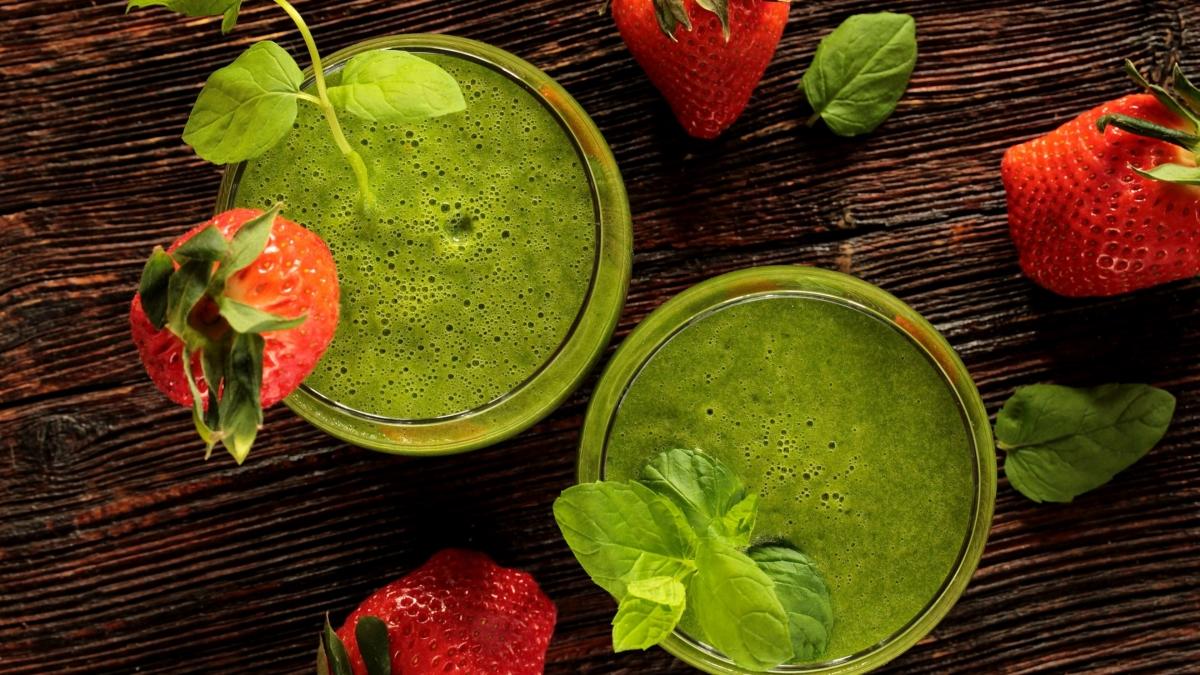 Moc zielonych roślin…kilka smacznych koktajlowych przepisów – Justyna Wojciechowska